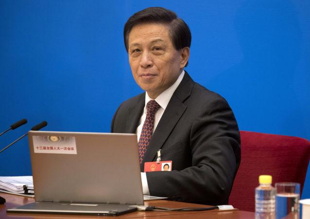 中国十三届人大会议发言人:编纂民法典符合中国国情 反映人民意愿