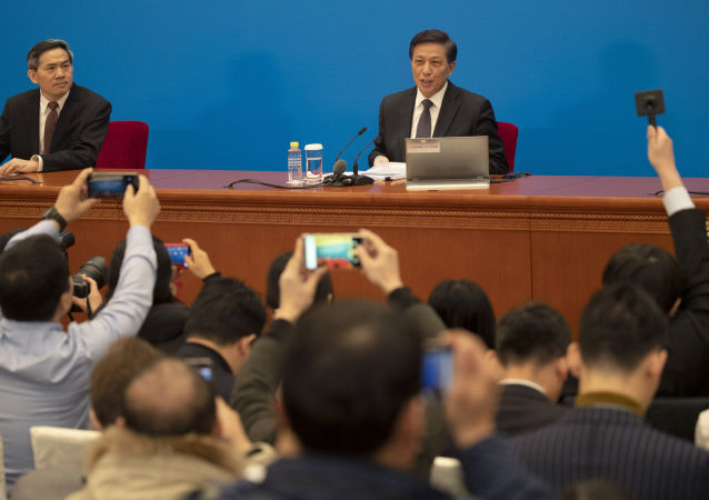 张业遂:如果美方坚持冷战思维损害中国的核心利益 中方将坚定不移捍卫自身主权和安全