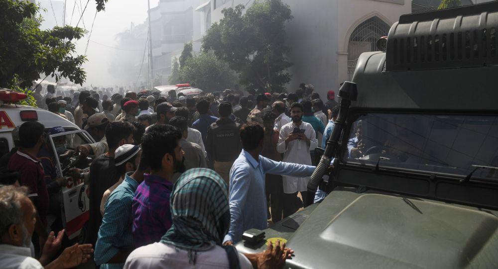 媒体:巴基斯坦至少有13人在飞机失事中丧生
