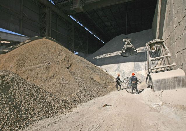 乌兹别克斯坦自5月23日起取消水泥的进口限制