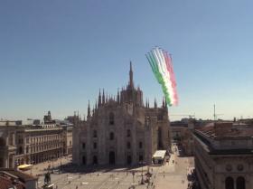 意大利空军歼击机在天空画出国旗