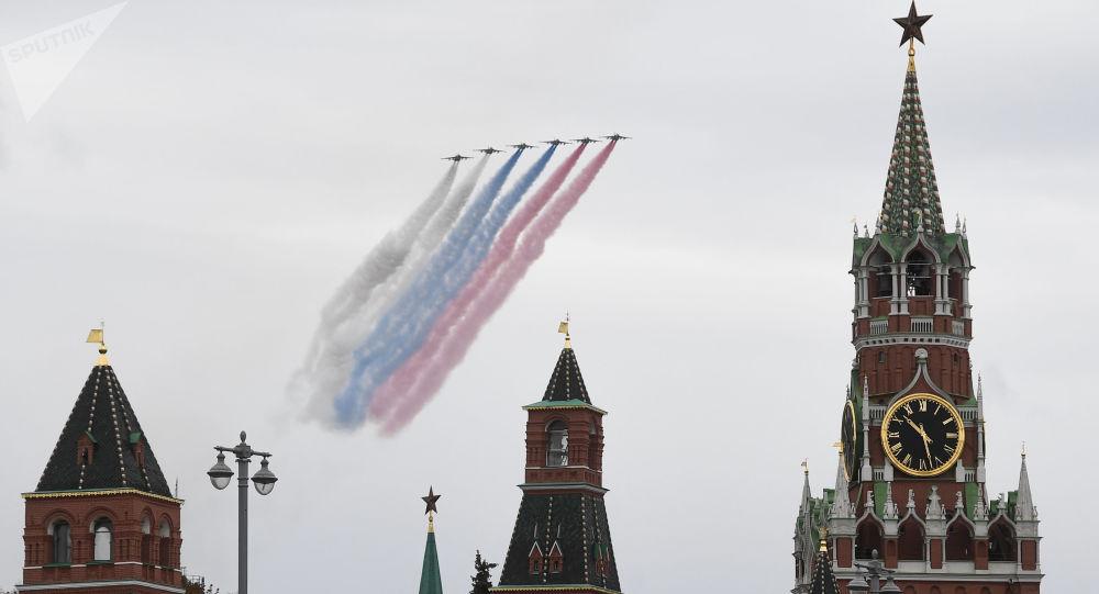 俄空天军将在胜利日阅兵期间组建16个空中梯队接受检阅