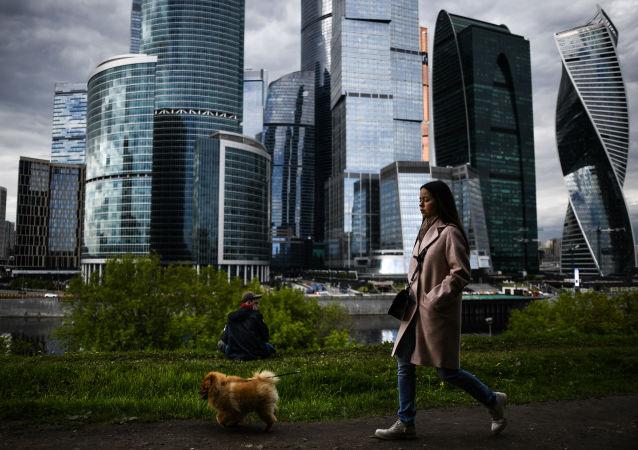 俄央行:俄经济因新冠病毒疫情遭遇前所未有的的震荡
