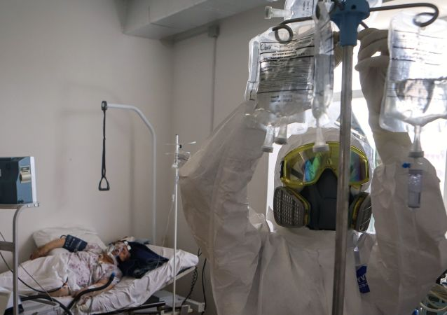 俄单日新增新冠病毒感染病例5205例 累计超102万例