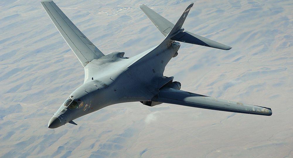 土耳其飞机在黑海上空为美国轰炸机空中加油