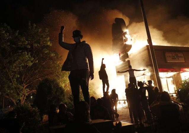 特朗普认为在明尼阿波利斯动用国民警卫队过晚