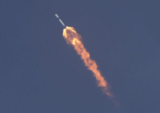 """俄航天集团不排除俄方宇航员会开始搭乘""""龙""""飞船前往太空"""