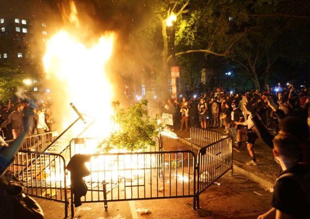 明尼阿波利斯抗议活动