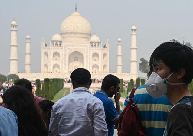 印度新增新冠病毒感染病例超1.2万例 累计病例近36.7万例
