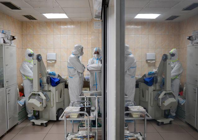 俄副总理:莫斯科32.4%医护人员被检测到COVID-19抗体