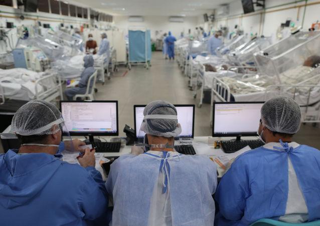 巴卫生部:巴西单日新增新冠病毒感染病例近8.6万例