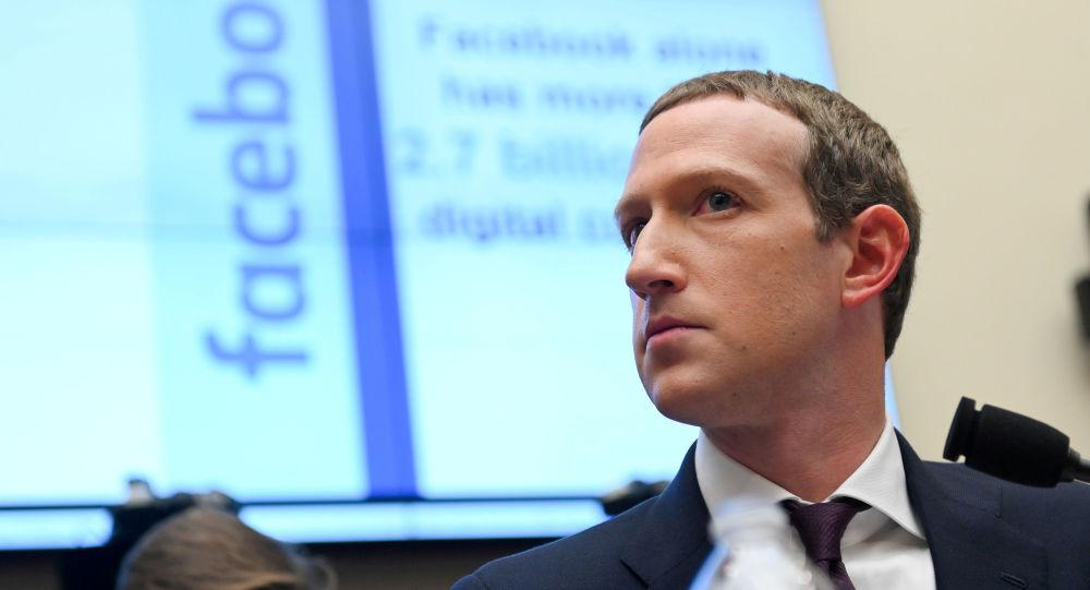 社交网络脸书的创始人马克•扎克伯格