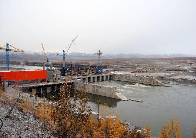 科雷马河乌斯季斯列德涅坎水电站