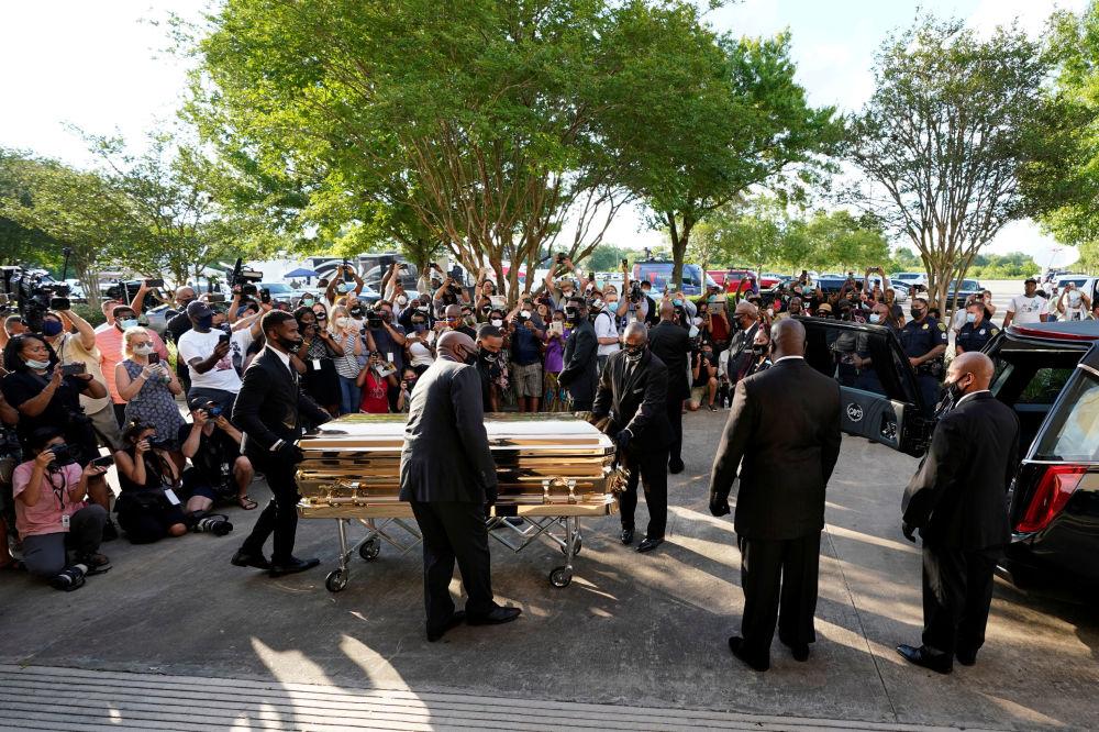 拘捕时死亡的非裔美人乔治·弗洛伊德葬礼