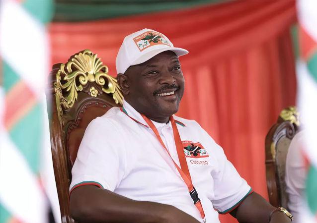 布隆迪现任总统恩库伦齐扎去世 终年55岁
