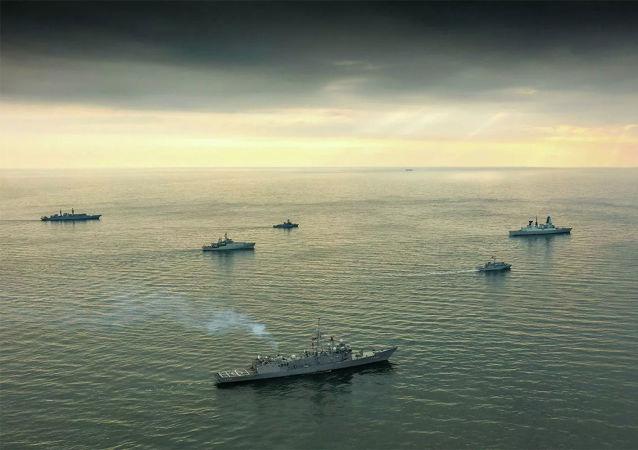 俄黑海舰队开始对进入黑海的北约军舰群进行监视