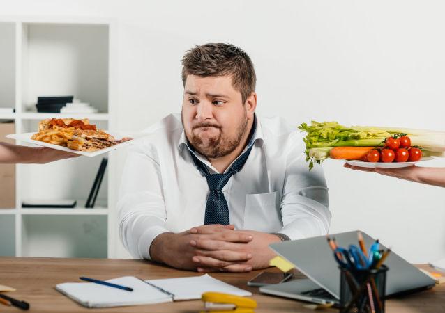 营养学家:俄罗斯人随着回归正常生活可减掉疫情期间增加的体重