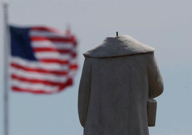 芝加哥政府拆除引发抗议活动的哥伦布纪念碑