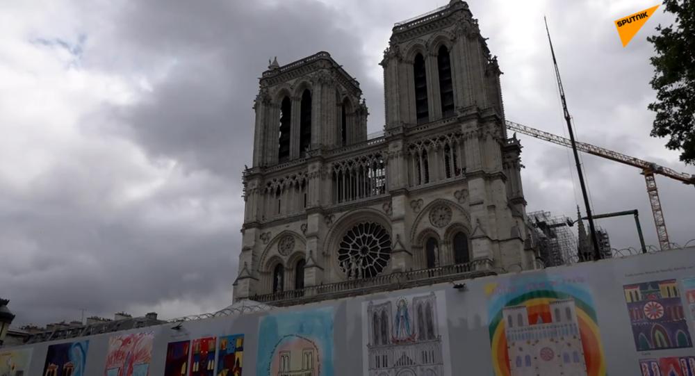 孩子眼中的巴黎圣母院