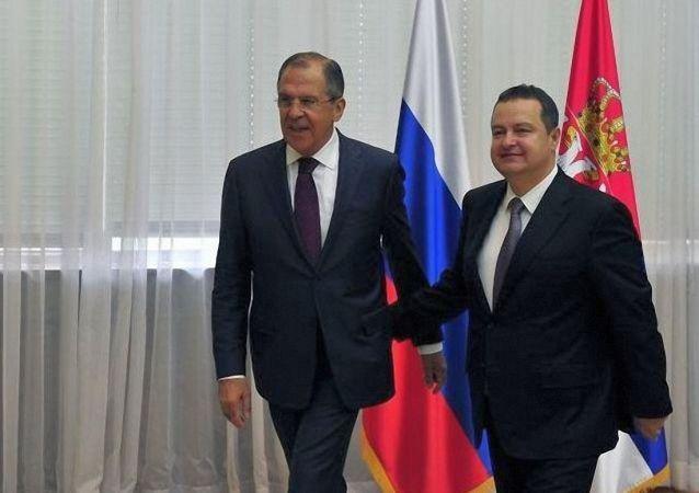 俄罗斯外长拉夫罗夫与塞尔维亚外长达契奇