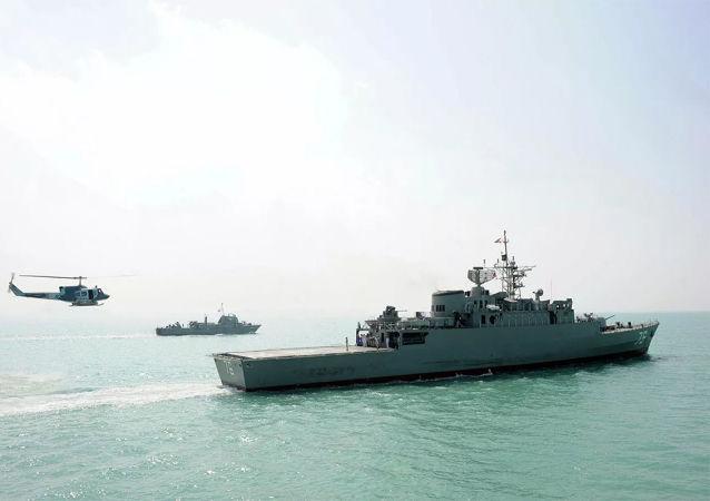 伊朗军队在阿曼湾成功发射巡航导弹