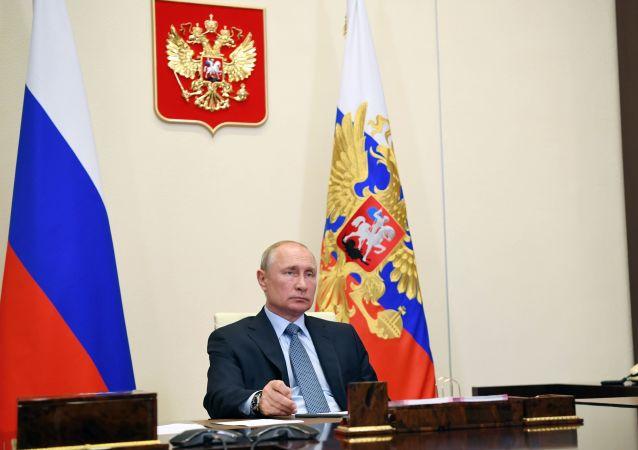普京邀请乌兹别克斯坦总统米尔济约耶夫共进午餐