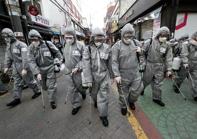 韩国从7月底以来首次单日记录到超过100例新增COVID-19病例
