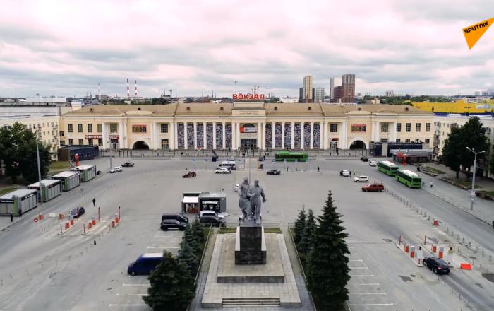 俄罗斯叶卡捷琳堡火车站纪念二战战士