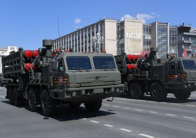 """S-350""""勇士""""防空导弹系统"""