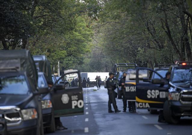 墨西哥国民警卫队在美墨边境水坝附近杀死两名抗议者