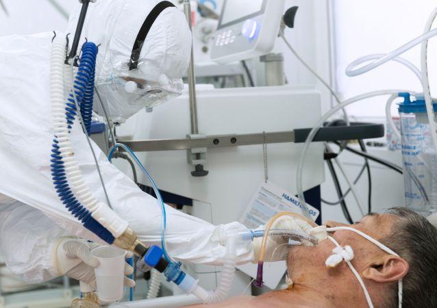 哈萨克斯坦卫生部:国内新冠疫情形势仍十分紧张