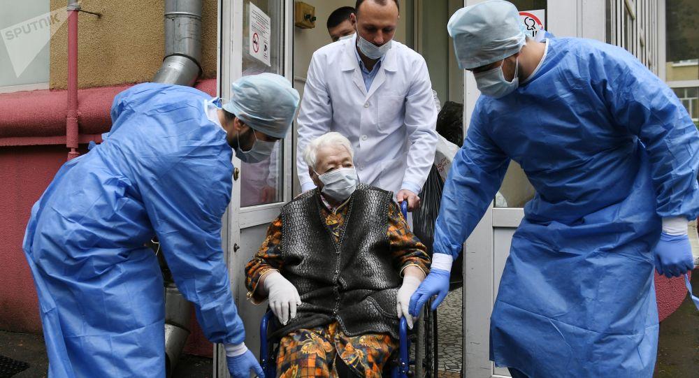 俄卫生部专家:90%的新冠患者是度假归来的人