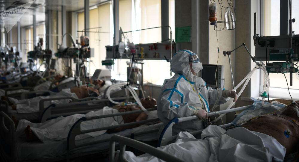俄罗斯单日新增6611例新冠病毒感染病例 累计超72万例