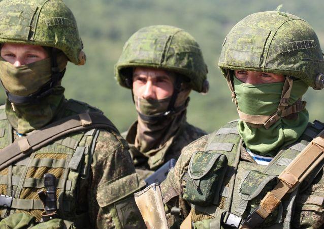 俄空降兵庆祝成立90周年