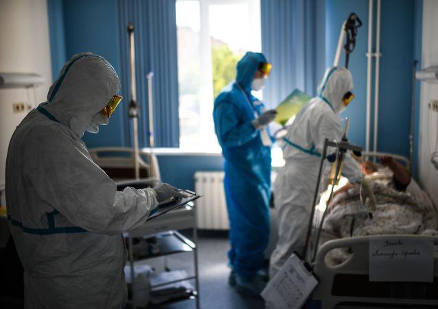 俄防疫指挥部:俄单日新增新冠病毒感染病例15971例 累计超146.3万例