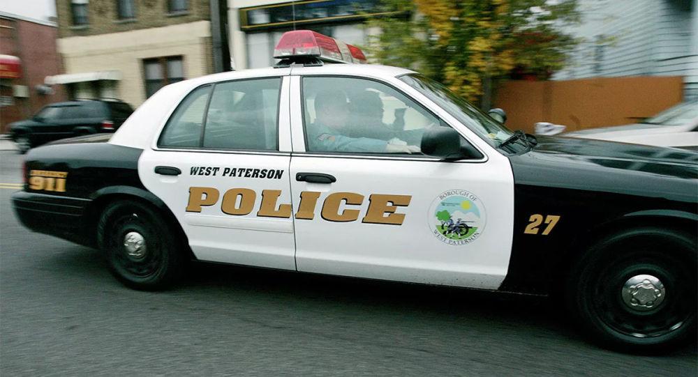 美国佛州一名警长禁止在警局内戴口罩
